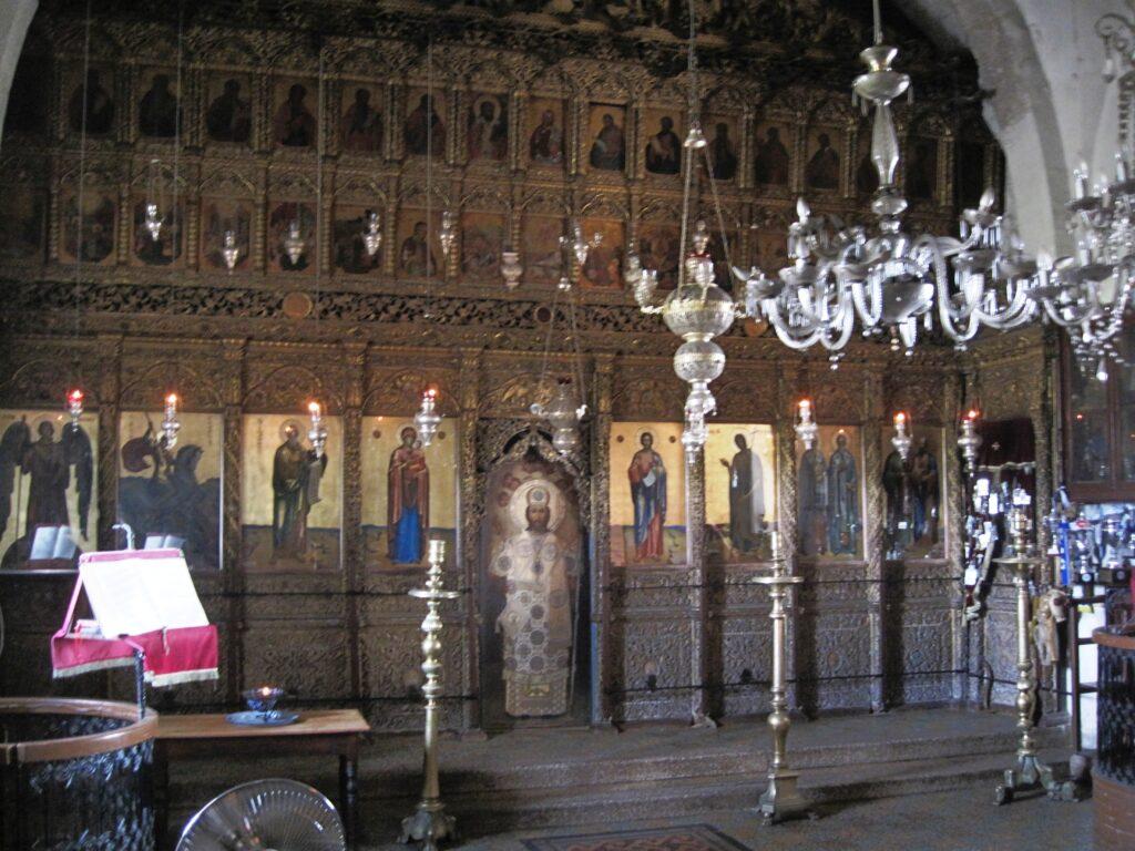 Das Kloster Apostolos Andreas von innen auf der Karpasshalbinsel in türkisch besetzten Norden der Insel Zypern.