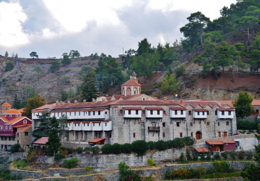 Das wunderschöne Kloster Machairas mit Nebengebäuden