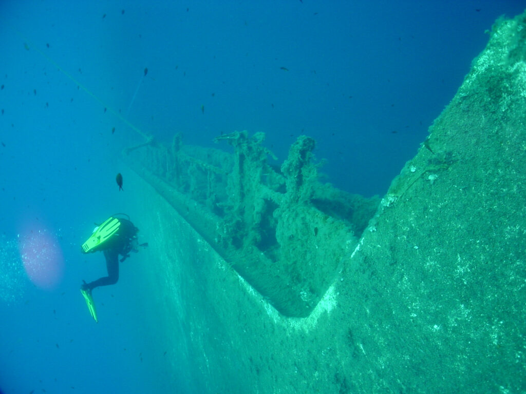 Aufnahme der äußeren Hülle der MS Zenobia  auf dem Meeresgrund des Mittelmeers vor Larnaka - Zypern.